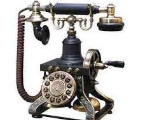 Ziua în care Senatul american a interzis telefoanele de pe care îți formezi singur numărul