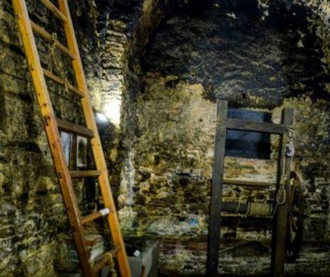 Piatra atârnată la gâtul celor puși la stâlpul infamiei, păstrată la Sighișoara