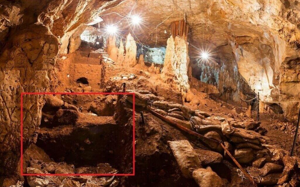 pestera in care au fost descoperiti primii europeni
