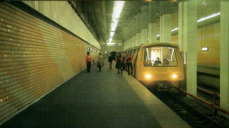 """Acum 40 de ani, Bucureștiul auzea prima oară """"Atenție, se-nchid ușile! Urmează stația…"""""""