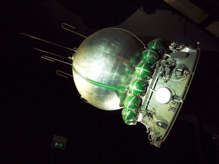 Prima femeie astronaut în spațiul cosmic a ars de vie? (Dovada audio)