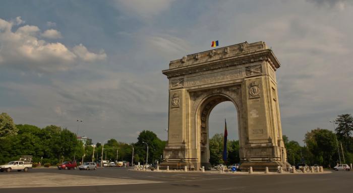 """Cum au """"ajustat"""" comuniștii simbolul unității noastre naționale, Arcul de Triumf"""