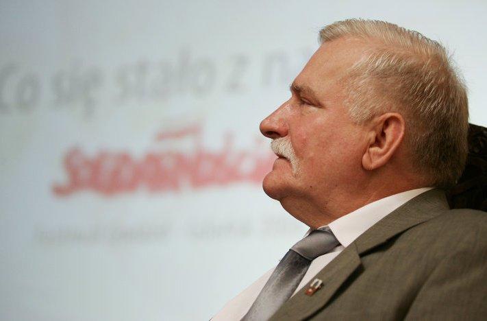 Cum s-a năruit regimul comunist în Polonia, în 1989