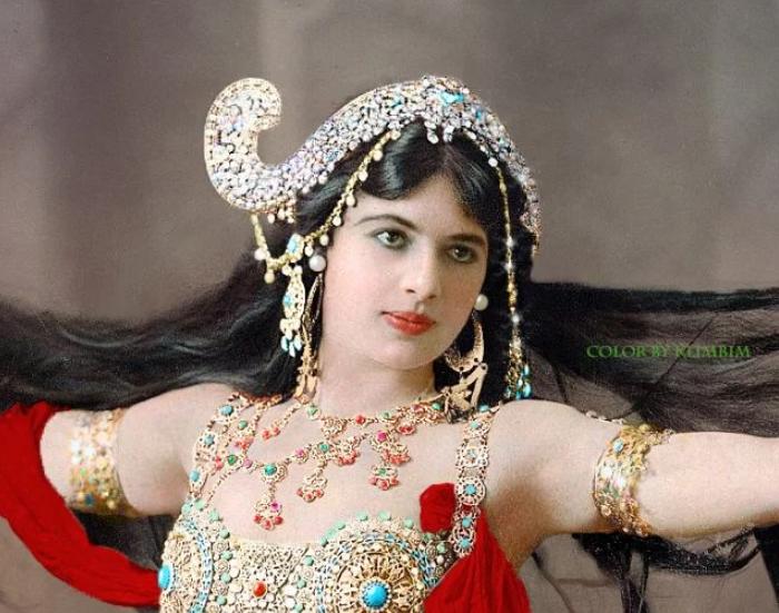 Misterioasa Mata Hari, în imagini color