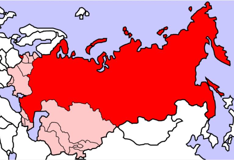 La distanță de 69 de ani, Crăciunul a adus crearea și destrămarea Uniunii Sovietice