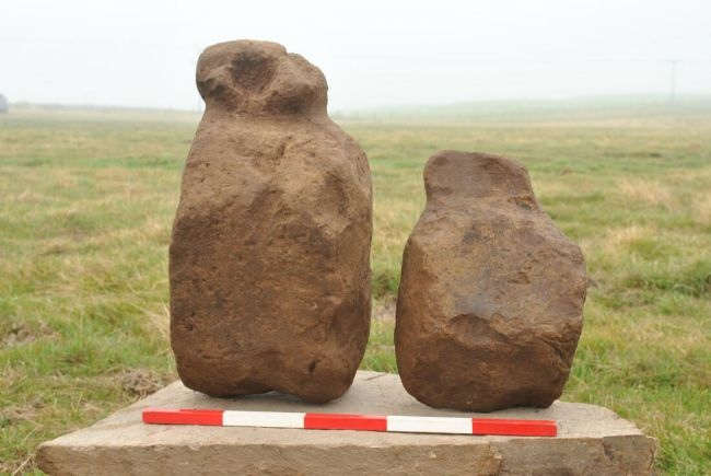 Figurine misterioase, vechi de 4.000 de ani, descoperite în Scoţia