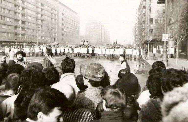 Uimitoarea arestare a revoluționarilor acuzați că au răspândit zvonuri despre agenți sovietici