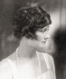 """Motivul pentru care Coco Chanel și-a numit primul parfum """"No. 5"""""""