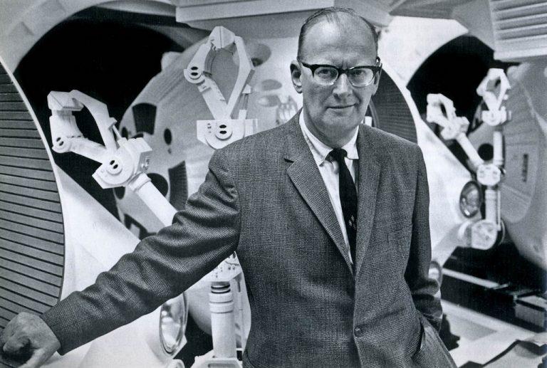 Teribila farsă jucată sovieticilor de Arthur C. Clarke