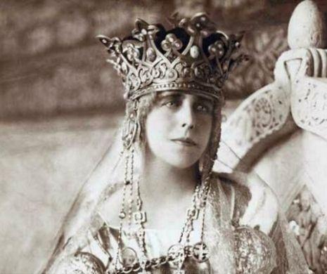 Regina Maria ajută, în 1934, la traducerea unei cărţi pentru cultul Baha'i, al cărei susţinător era
