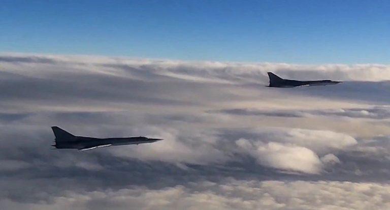 Două bombardiere ruseşti au survolat Marea Neagră timp de 5 ore (VIDEO)