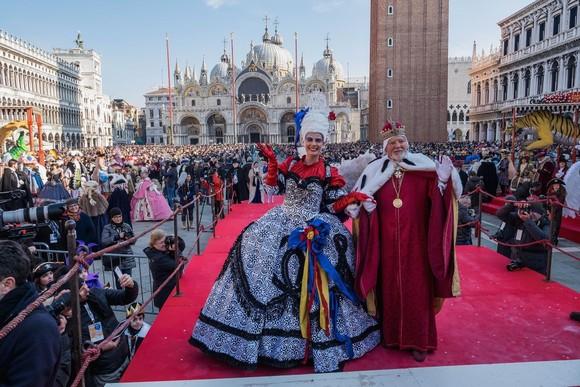 Lui Mussolini i s-a pus pata și pe Carnavalul de la Veneția. Istoria și programul de anul acesta