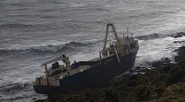Fabuloasa epopee a unui vas-fantomă, în derivă de peste un an, reapărut graţie furtunii Dennis (VIDEO)