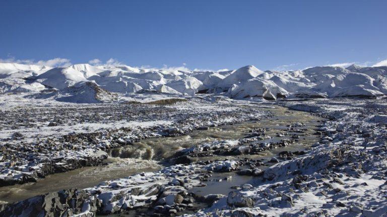 În plină teamă planetară de coronavirus, oamenii de ştiinţă au găsit virusuri necunoscute, foarte vechi, într-un gheţar din Tibet