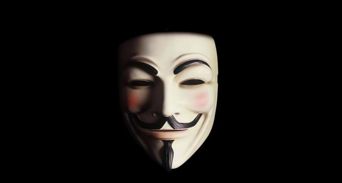 Ce se ascunde în spatele măștilor Anonymous?