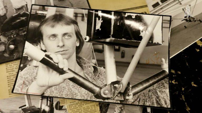 Povestea tânărului care a zburat peste Cortina de Fier ca să se stabilească în deșert