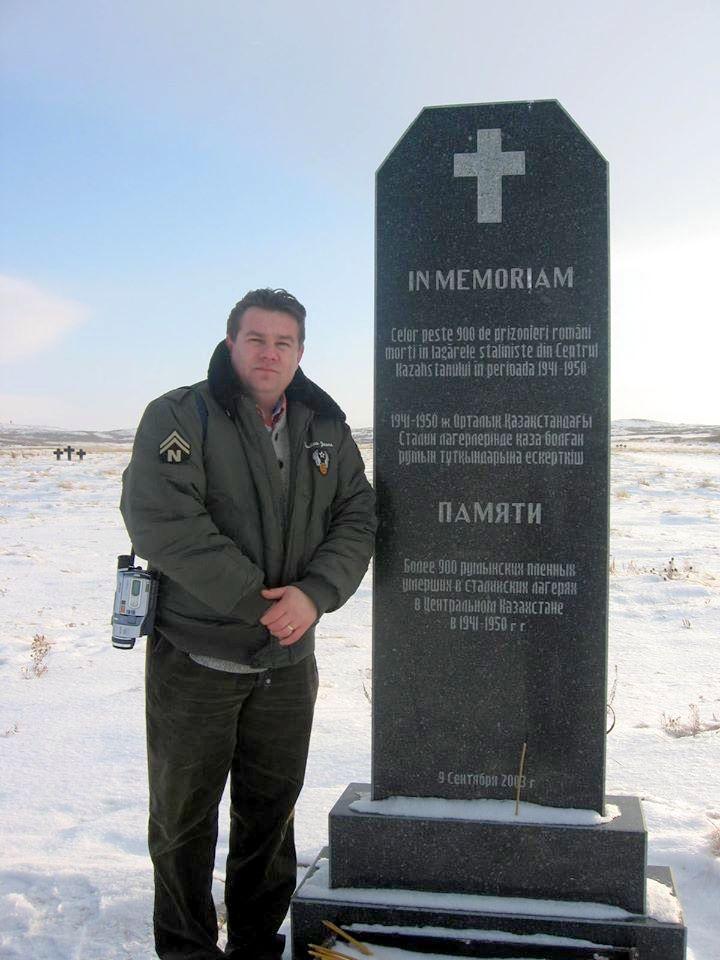 Imagini inedite cu românii din lagărul NKVD de la Karaganda, unde era politruc fratele lui Leonte Răutu, tatăl lui Oișteanu de la GDS
