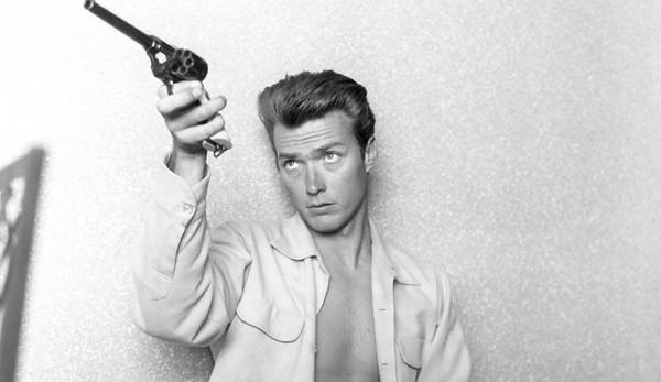 Celebrul pistolar împușcă al 90-lea an de viață