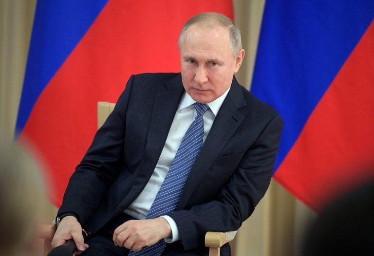 Putin îi pregătește pe tinerii Rusiei pentru război. A reînființat lagărele de reeducare sovietice