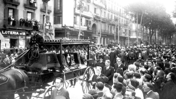 Tramvaiul 30, cu care Dumnezeu l-a luat la El pe Gaudi
