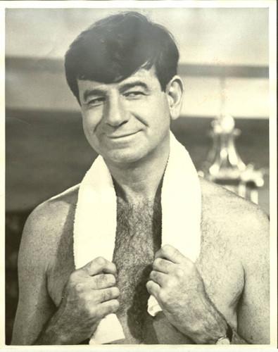 Vânzătorul de sucuri și antrenorul de box ia Oscarul. S-a stins pe 1 iulie