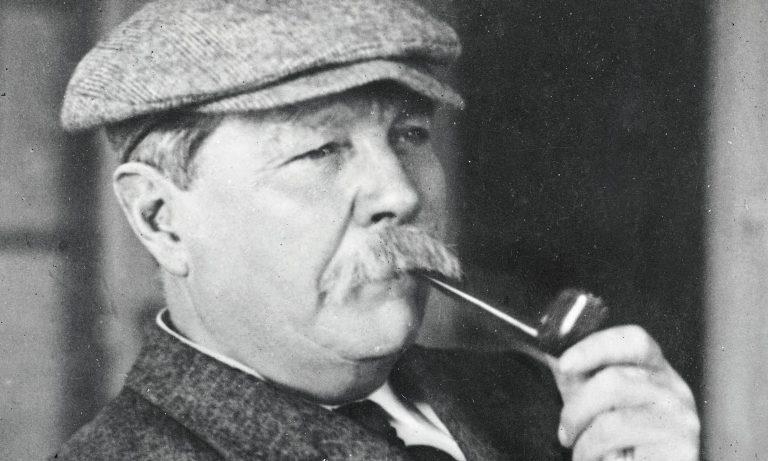 Azi îl pomenim de 90 de ani pe părintele lui Sherlock Holmes. Fascinat de paranormal și spiritualism