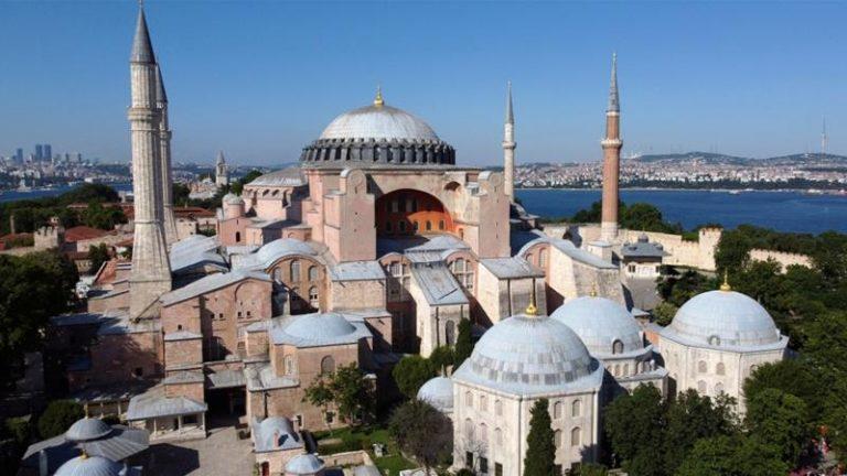 Patriarhul Rusiei îi dă lui Erdogan peste mâna pe care a pus-o pe Hagia Sophia