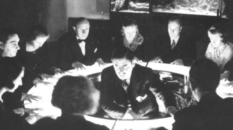 Profetul evreu al lui Hitler prezice incendierea Reichstag-ului și este asasinat