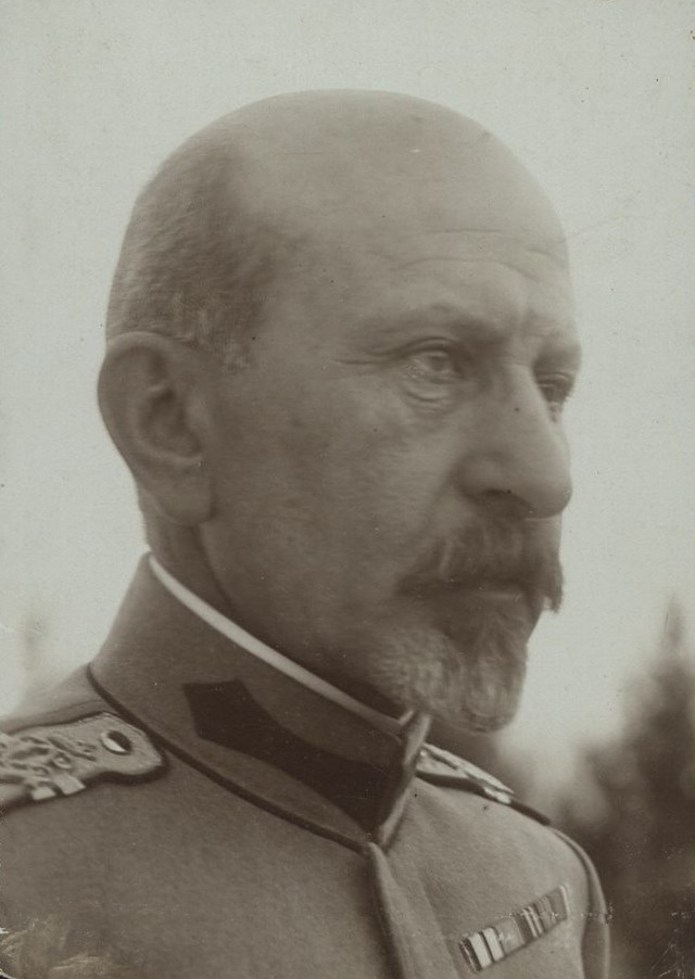 Avea o singură dorință: Să organizeze, fără servituți de partid, Armata Română