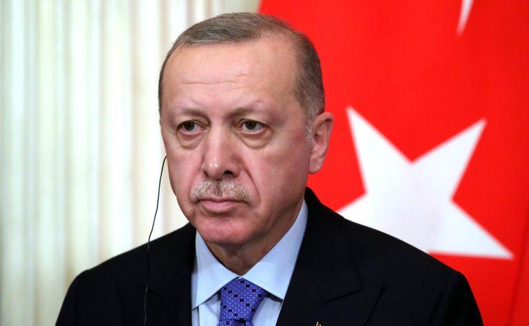 """Erdogan a arestat zece amirali pentru că i-au criticat """"proiectul nebunesc"""" al Canalului Istanbul"""