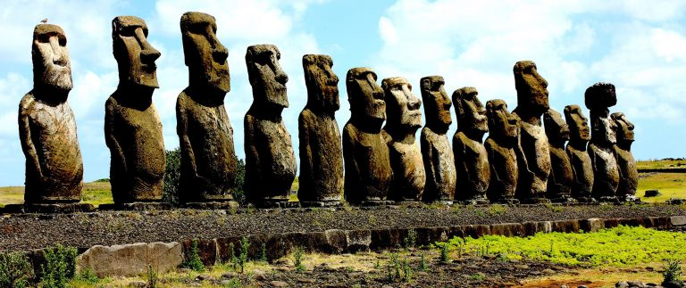 Misterul măririi și decăderii Insulei Paștelui